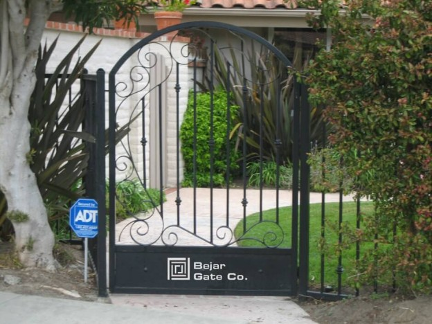 Whimsy-Garden-gate-1.png